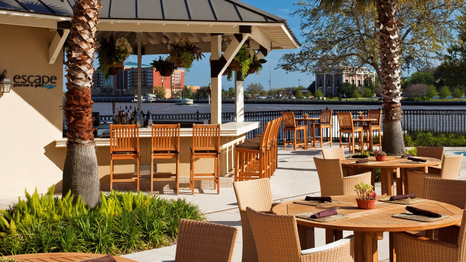 Savannah Restaurants - Escape Pool Bar & Grill