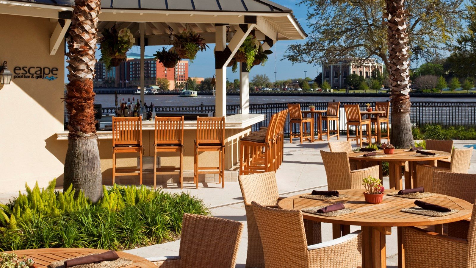 Escape Pool Bar | The Westin Savannah Harbor Golf Resort & Spa